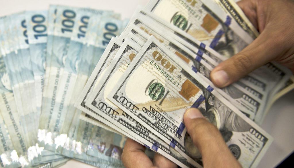Resultado de imagem para Dolar e Reais