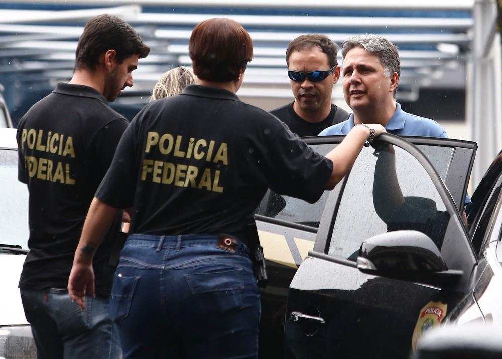 Garotinho diz que foi agredido na cadeia, mas agentes falam em autolesão