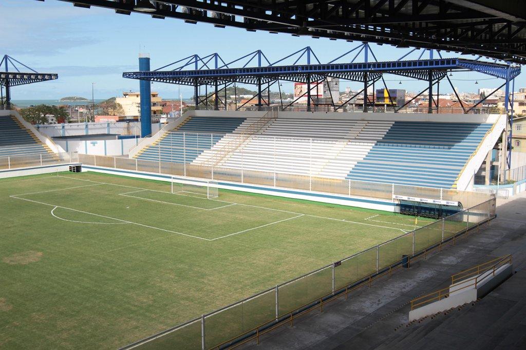 Botafogo encara o Macaé em busca da primeira vitória