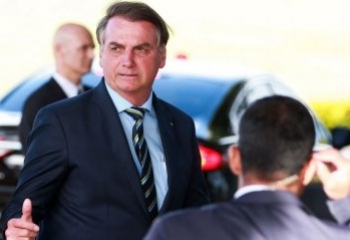 Bolsonaro vai à posse do novo presidente do Uruguai no domingo