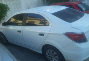PM apreende carro com motor adulterado