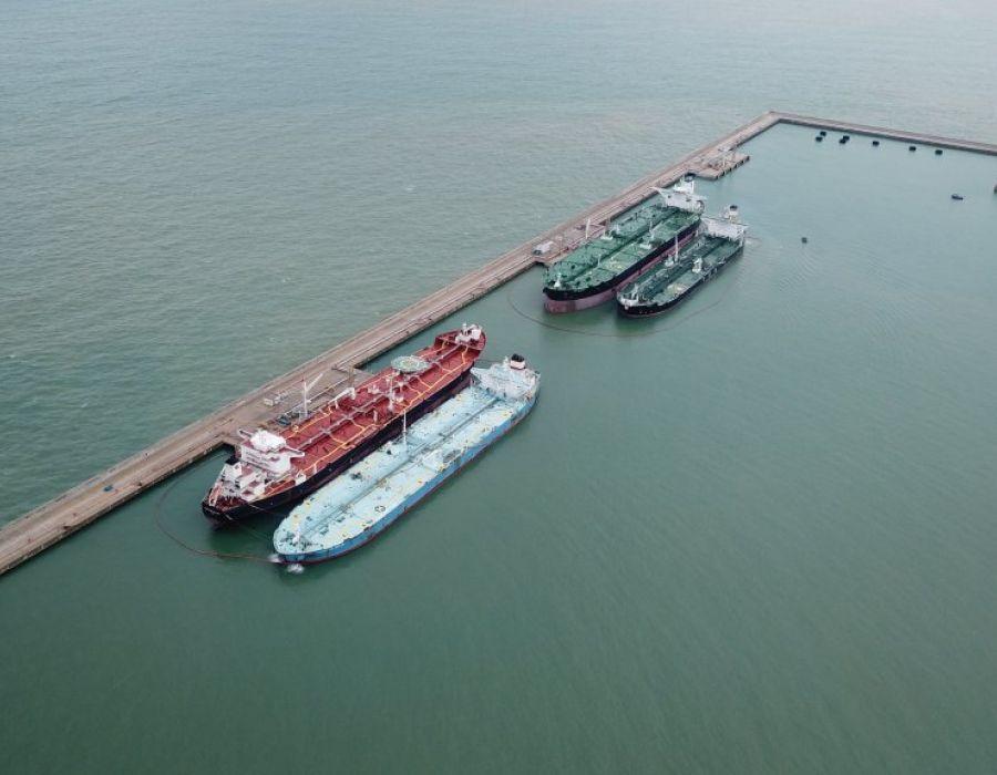 Resultado de imagem para Açu Petróleo e Petrobras assinam contrato no Porto do Açu